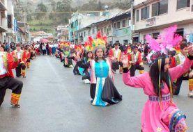 En El Tambo se realizó desfile de las culturas