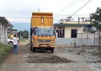 Mantenimiento vial en barrios y ciudadelas de La Troncal