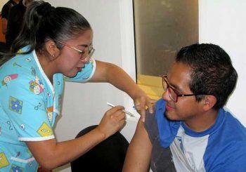 Centros de salud reciben más vacunas para la influenza