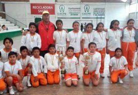 Equipo de escuela Daniel Muñoz obtuvo medallas en fútbol sala
